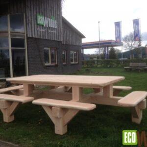 Vierkante picknickbank de veluwe