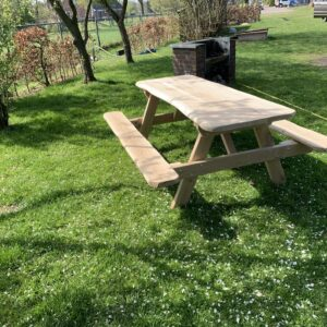 Robuuste picknicktafel